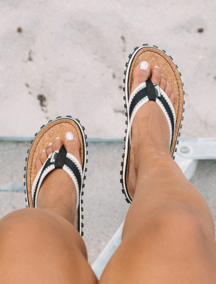 4 e1576667535402 - Flip flop sandals in stripe